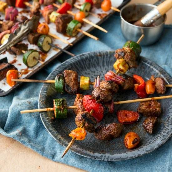 BBQ GRASS-FED BEEF & VEGGIE KEBABS
